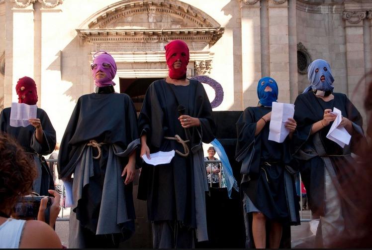 Misa alternativa de la Mercè por el derecho a decicir, organizada por Feministes indignades./ Bárbara Boyero