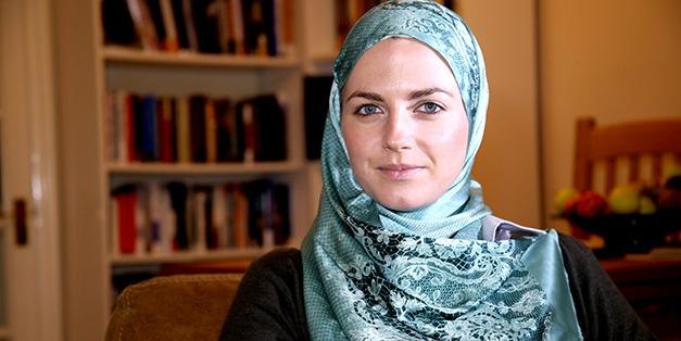 Myriam François Cerrah, escritora y periodista franco-británica, convertida al Islam ya adulta