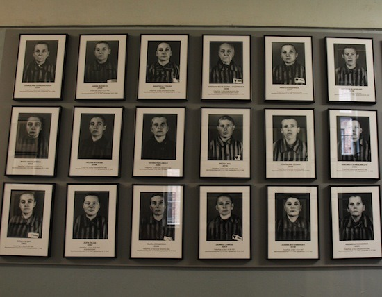 Reclusas en Auschwitz-Birkenau./ Cristina E. Lozano