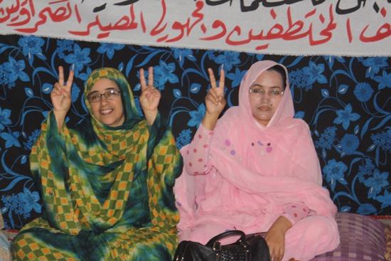 Las autoridades marroquíes han amputado los dedos índice y corazón a muchos saharauis para que no puedan realizar el símbolo de la victoria.- Andrea Momoitio