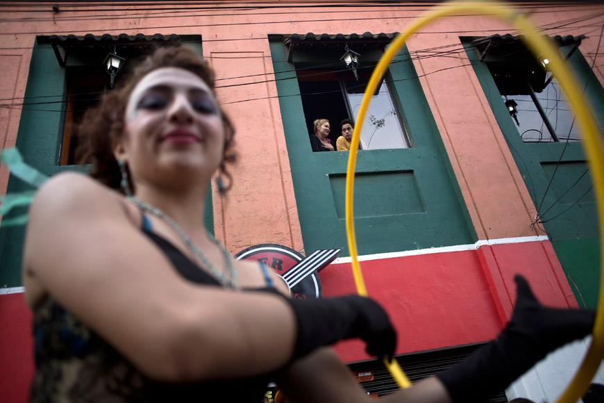 11-Ecuador-putas-marcha