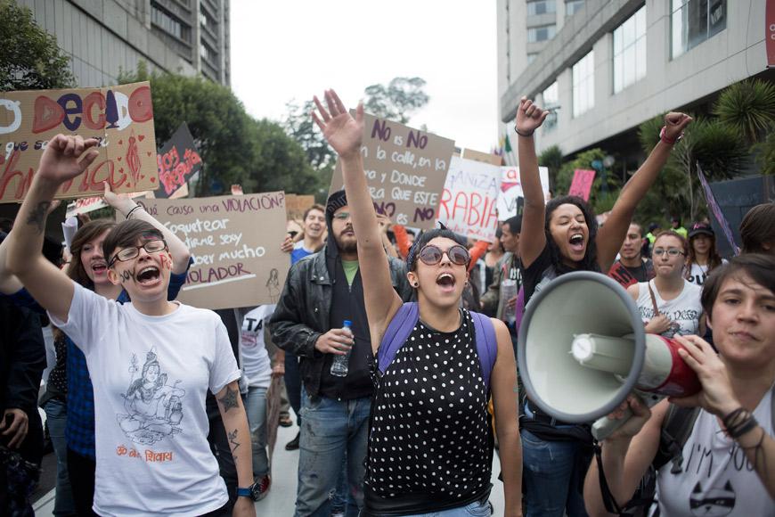 12-Protesta-ecuador-putas