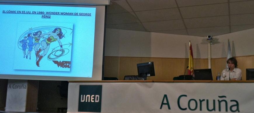 Bruno Lorenzo, durante la presentación de su trabajo en fin de grado en la sede de la UNED en A Coruña./Bárbara G. Vilariño