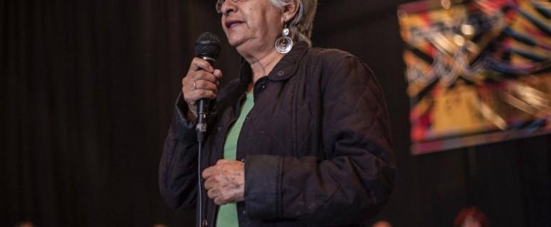 Julieta Montaño interviniendo en el congreso ELLA