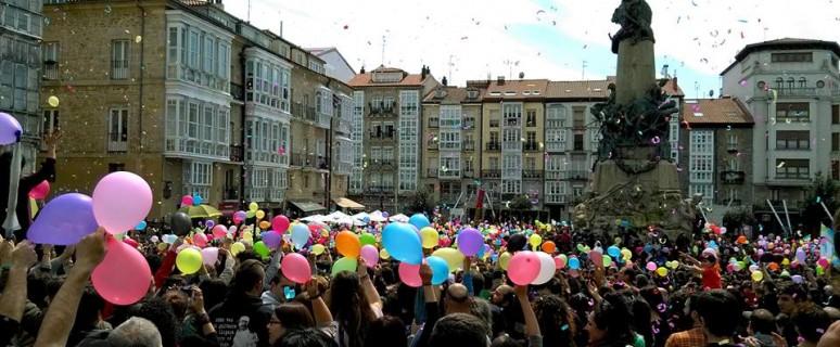 La iniciativa popular Gora Gasteiz organizó movilizaciones pro-diversidad para denunciar las políticas y discursos discriminatorios del alcalde Maroto/ Gora Gasteiz