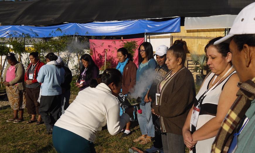 Ceremonia en la que comparten su dolor con otros padres y madres de desaparecidos - Soraya González Guerrero