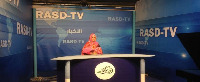 El telediario de la RASD TV se emite a diario desde Rabuni .- Andrea Momoitio