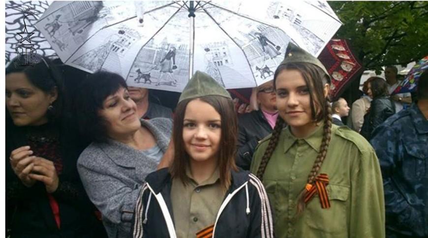 Desfilada del Dia de la Victòria a Alchevsk / Edurne Batanero