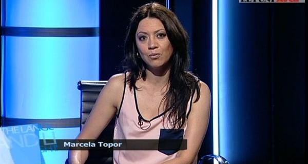Marcela Topor presentando los informativos.
