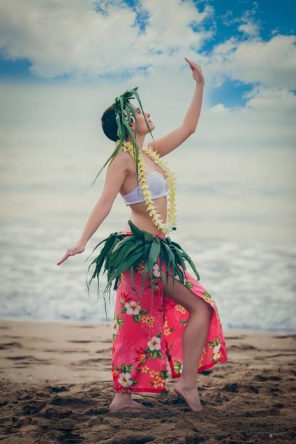 Ester López bailando Ori Tahití