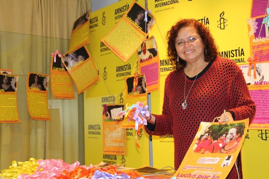 Morena Herrera participa en un acto de Amnistía Internacional./ Foto de archivo de A.I.