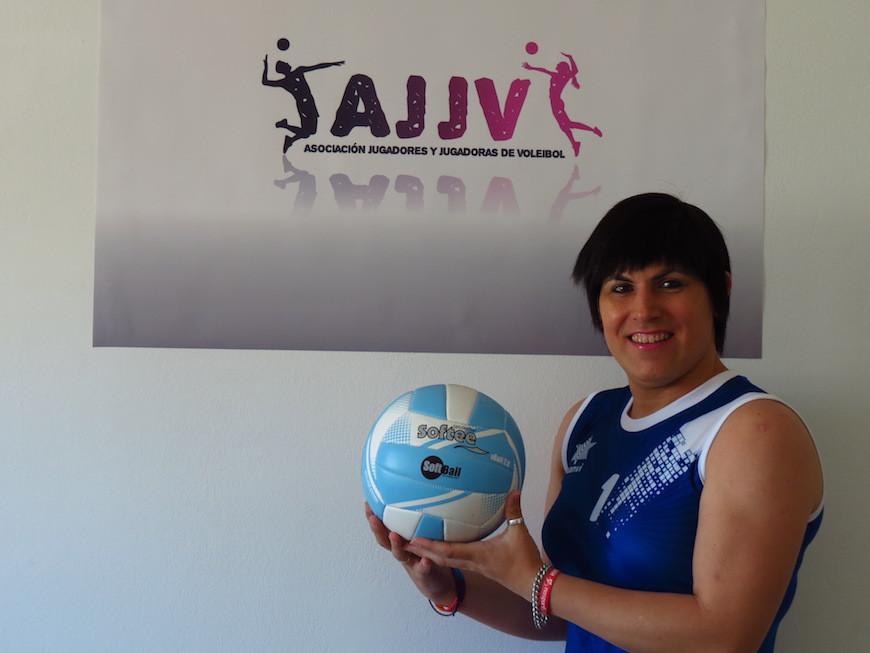 Antía Fernández debutó en voleibol después de ser excluida por los reglamentos de rugby y de ciclismo./ emeaeme