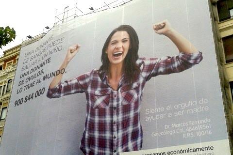 La valla publicitaria en un edficio de Bilbao