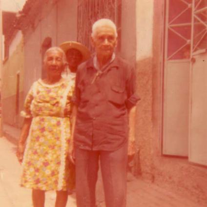 Amelio Robles con Guadalupe Barrón en Iguala, Guerrero, 1976. Foto de Marcelo González Bustos.