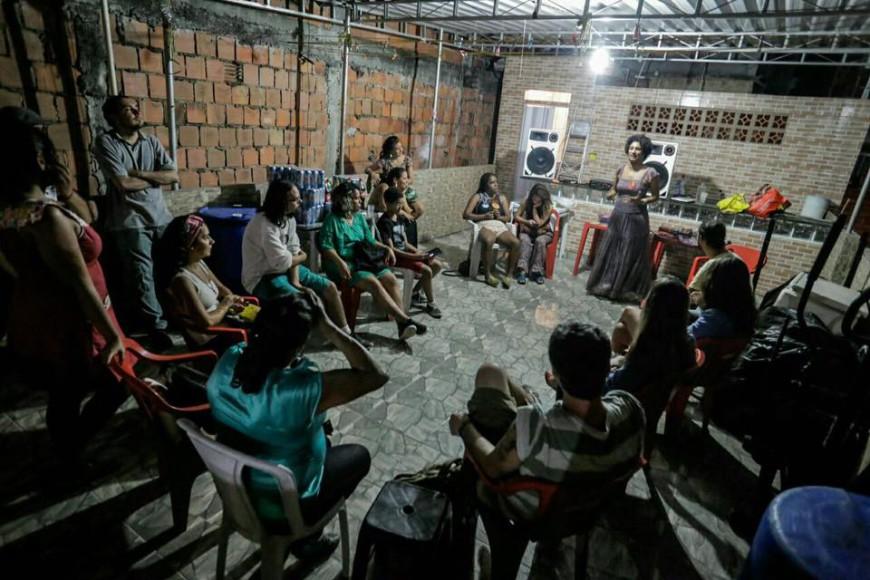 Marielle Franco debate con el vecindario en el Complejo de favelas de la Maré./Foto: Divulgación Marielle Franco