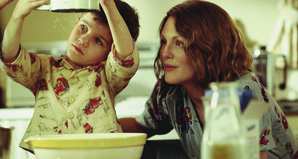 Julianne Moore interpreta a una madre abnegada en 'Las horas'