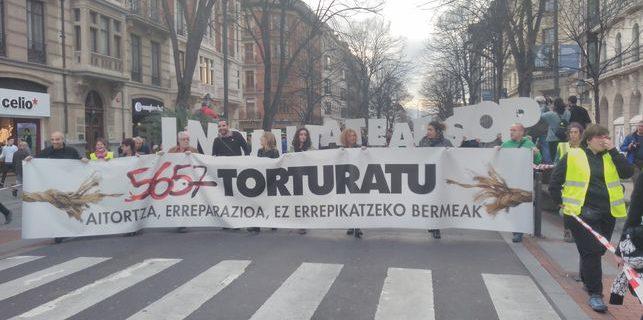 Protesta contra las agresiones que sufrió Sandra Barrenetxea por parte de guardias civiles