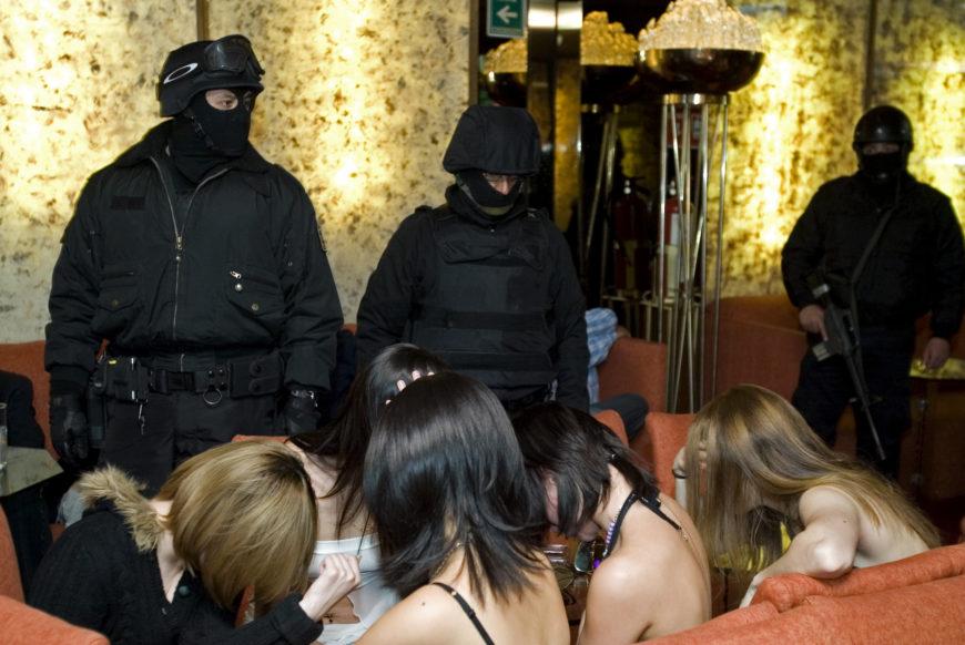Operativo contra la prostitución en la frontera Sur de México. / Foto: Jorge Dan López