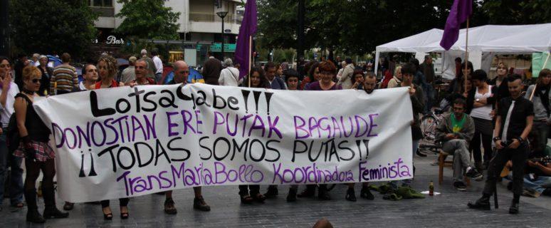 Concentración convocada por la Coordinadora TransMarikaBollo Feminista de Donostia por el Día Internacional por los Derechos de las Trabajadoras Sexuales, en 2011./ Bilguna Feminista