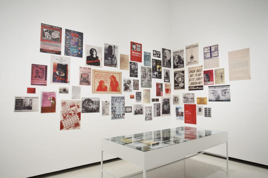 Carteles sobre distintas luchas feministas que forman parte de la muestra./ Azkuna Zentroa