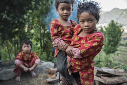 Tres de las hijas de Dipa y Bhim. /Foto: Zigor Aldama