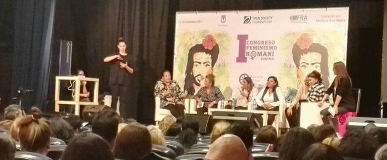 Foto de María Hernández, concejala de León por Podemos, gitana.