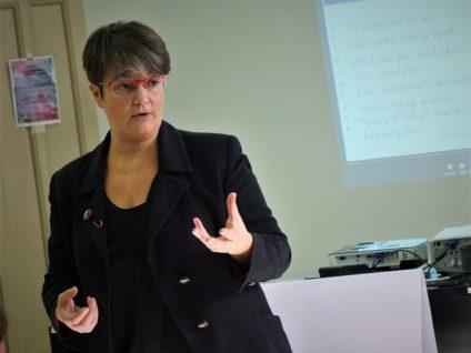 Carmen Castro durante una charla. / Foto: Alberto G. Palomo