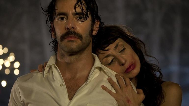 Fernando (Eduardo Noriega) y Coral (Carmen Mayordomo), protagonistas de una de las relaciones marcadas por la violencia