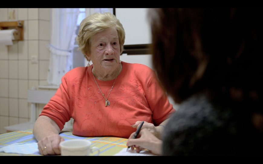 Anita Sirgo durante la entrevista en su cocina (Celia Cervero)