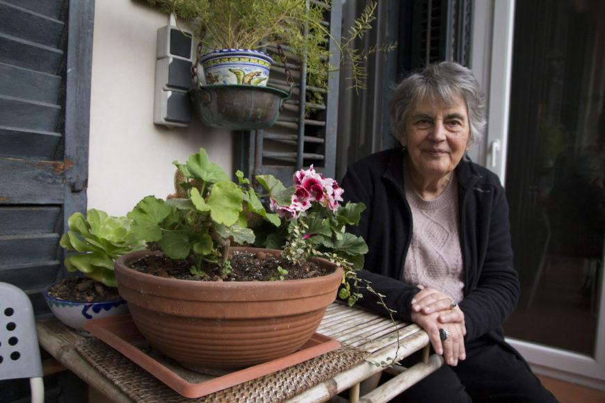 Dolores Juliano en su casa, en Barcelona./ Foto: Bárbara Boyero