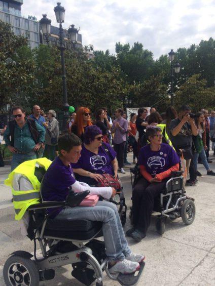 Integrantes del colectivo Frydas durante el Orgullo Loco en Madrid