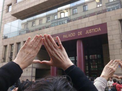Imagen de la manifestación de Bilbao tras la sentencia de 'la manada'. / Foto: Andrea Momoitio