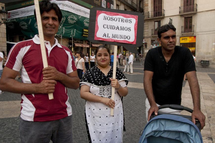 Participantes en un plantón por los derechos de las trabajadoras del hogar, celebrado en 2012 en Madrid./ Bárbara Boyero