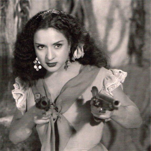 """Lola Flores en una escena de la película """"Estrella de Sierra Morena""""."""