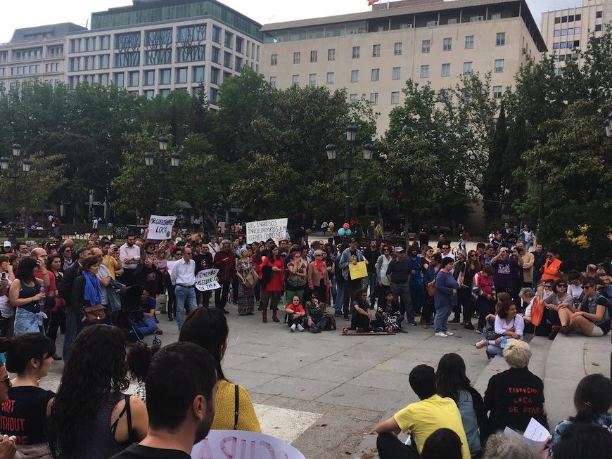Acto reivindicativo del Orgullo Loco en Plaza España (Madrid) el pasado domingo./ Foto cedida por Orgullo Loco Madrid