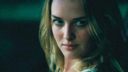 Dawn es una extraña heroína y justiciera que reescribe las leyes del horror