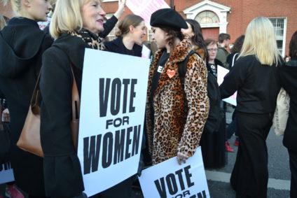 Miles de mujeres se han movilizado en la campaña del referéndum.