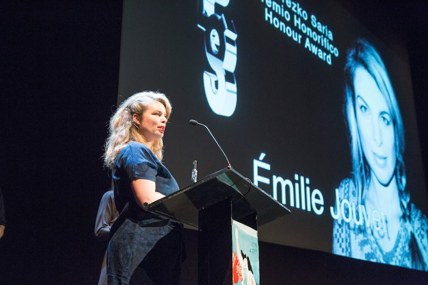Emilie Jouvet agradece el premio honorífico Zinegoak en la gala inaugural el pasado febrero./ Foto cedida por Zinegoak ©MITXI