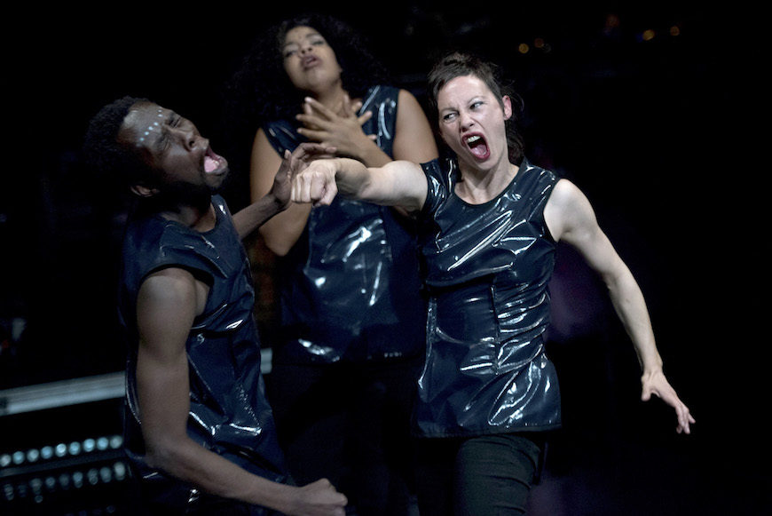 Stephanie Thierch y Kefa Oiro, alemana ella, keniano él, son los coreógrafos de la pieza./ ©Martin Rottenkolber