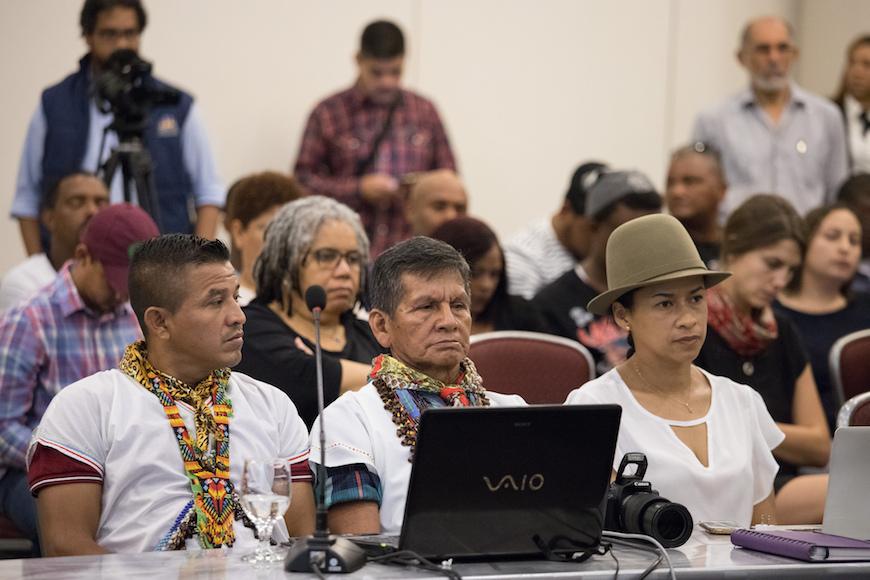 Participantes en una sesión en República Dominicana sobre la situación de derechos humanos de los pueblos indígenas en el contexto de los Acuerdos de Paz en Colombia./ Fran Afonso para CIDH