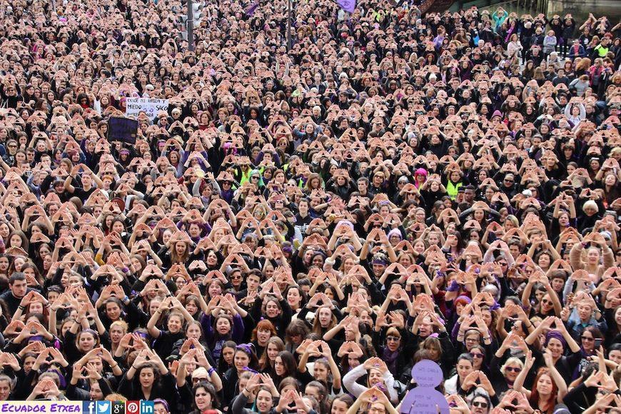 Imagen de la multitudinaria manifestación del 8 de marzo en Bilbao./ Ecuador Etxea