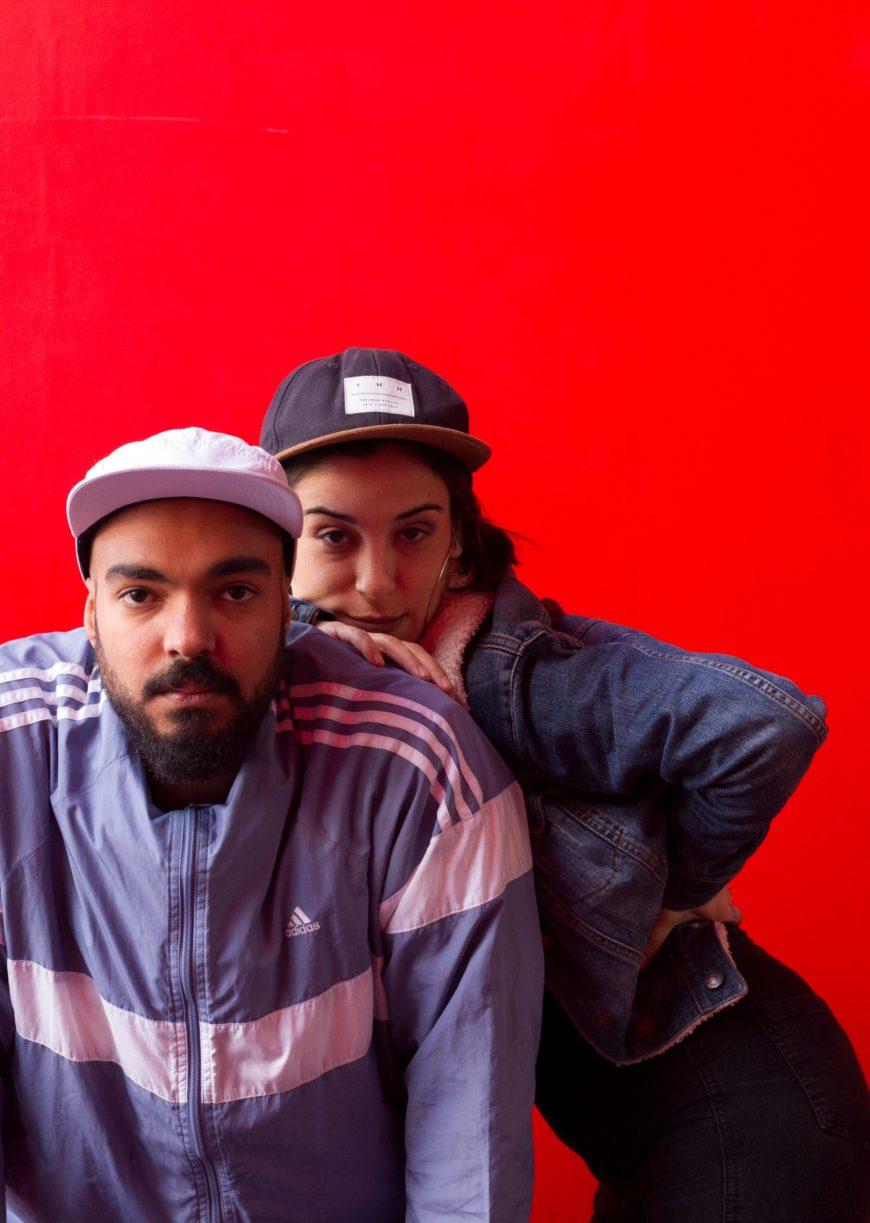 Josh y Sombr, fotografiades por @estherkiras