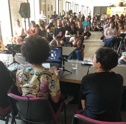 Yania Concepción Vicente y Arrate Hidalgo, dos de las ponentes en la mesa redonda sobre afrofuturismo./ Ansiblefest