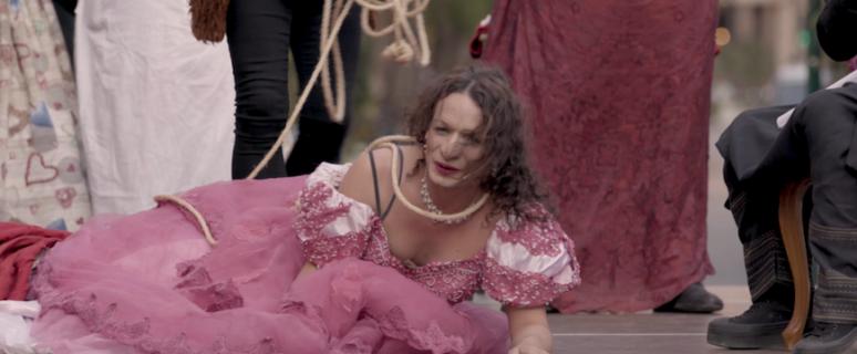 Carmen Fernández interpretando a Margarida Borràs