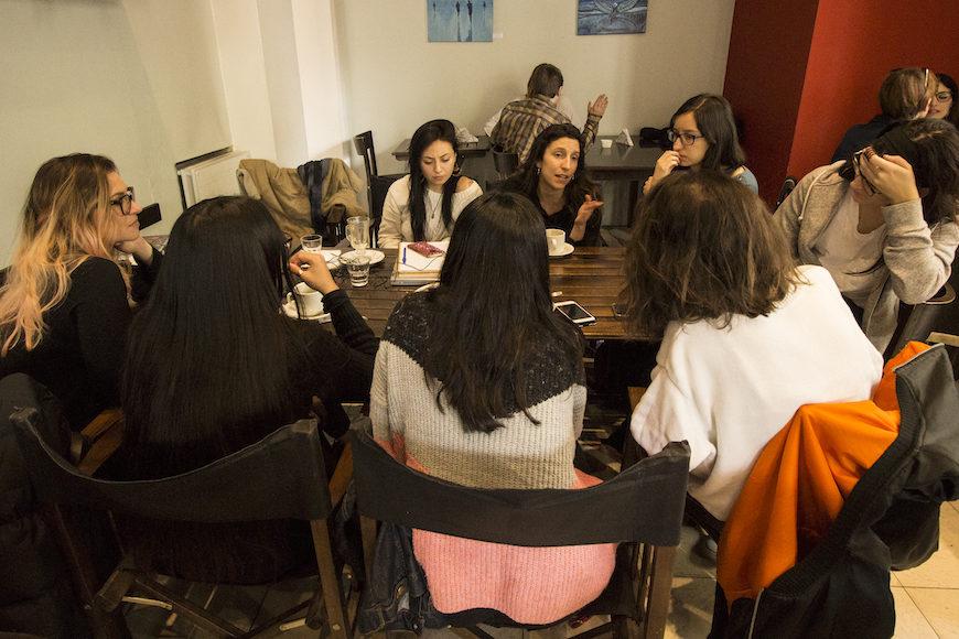 Malena Zunino habla en nuestra reunión en Buenos Aires. FOTO: BEATRIZ HERNÁNDEZ
