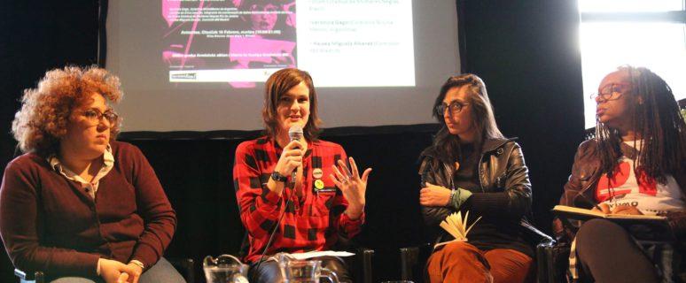 Haizea Miguela, Leire Groven (de Feministalde), Verónica Gago y Luciene da Silva (de izda. a dcha.) / Foto: Ecuador Etxea