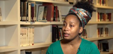 Karo Moret en un fotograma de un vídeo realizado por el CCCB en el marco de un curso sobre afrofeminismo