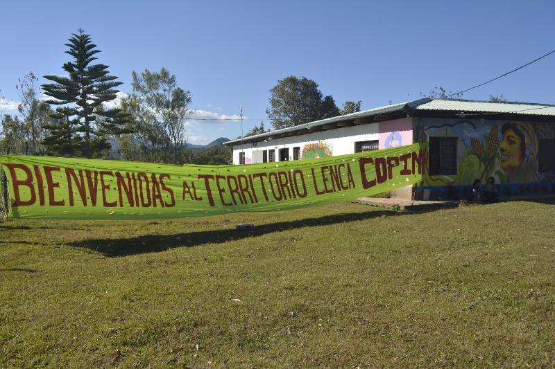 Cartel de bienvenida a La Esperanza. / Foto: Copinh.