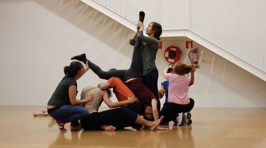 Un momento de la performance-taller grupal 'Manada', coordinada por Azahara Ubera./ Foto de archivo de su web