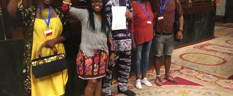 Rita Bosaho (segunda por la izquierda) junto con activistas afro en el Congreso de los Diputados el pasado 19 de julio, después de registrar una Proposición No de Ley sobre el reconocimiento de la comunidad africana y afrodescendiente de España./ Twitter de Rita Bosaho